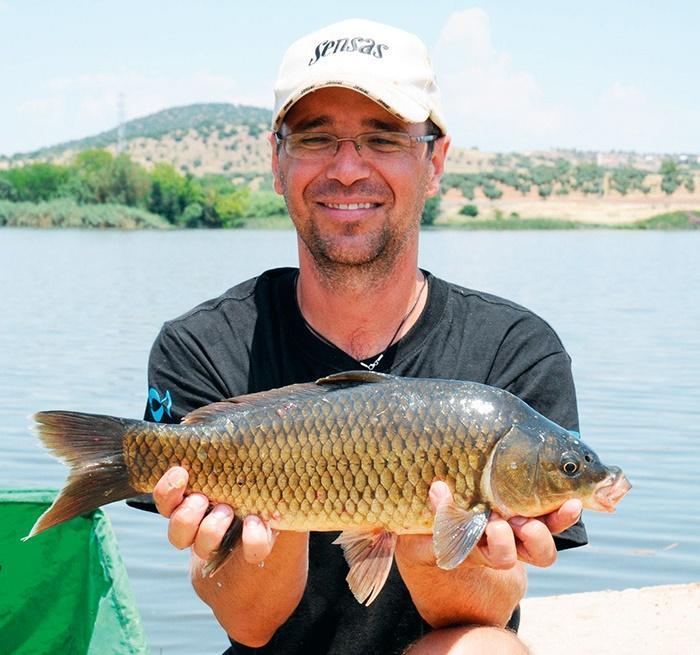 Jak łowić ryby - techniki , łowiskach naturalnych - zdjęcie, fotografia