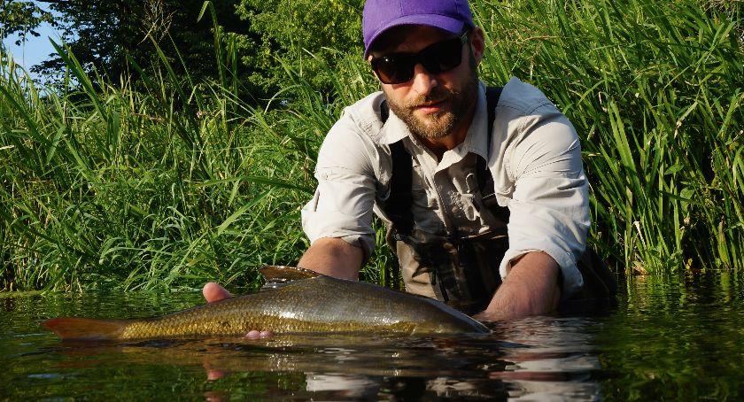 Jak łowić ryby - techniki , Igraszki brzanami - zdjęcie, fotografia