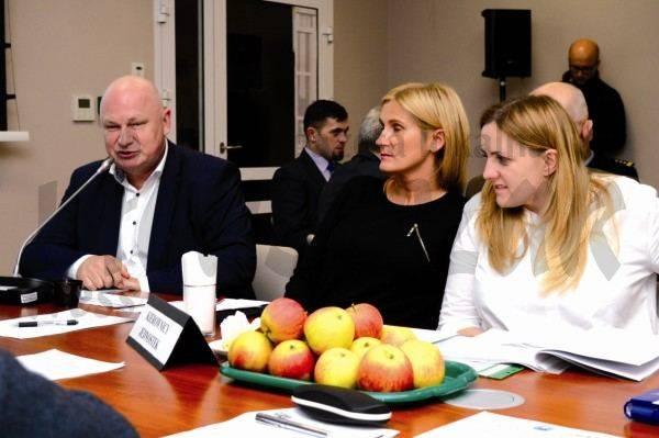 samorząd, Radni przyjęli program naprawczy szpitala - zdjęcie, fotografia