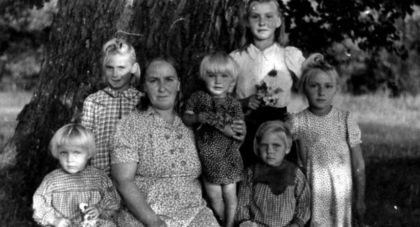 historia, Krystyna Szumska szuka swoich przodków - zdjęcie, fotografia
