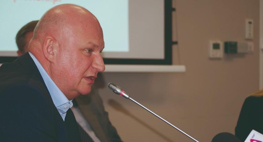 samorząd, Karetka kredyt Stanisław Kostka obrady powiatowej - zdjęcie, fotografia