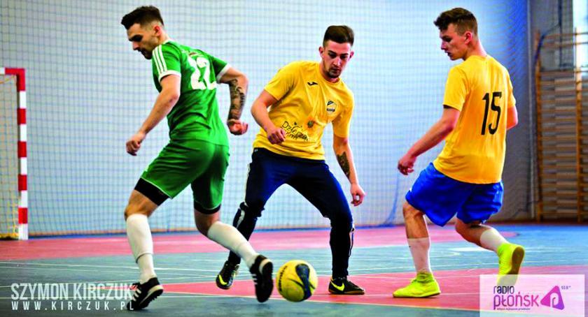 piłka nożna, tylko finał turnieju Radia Płońsk - zdjęcie, fotografia