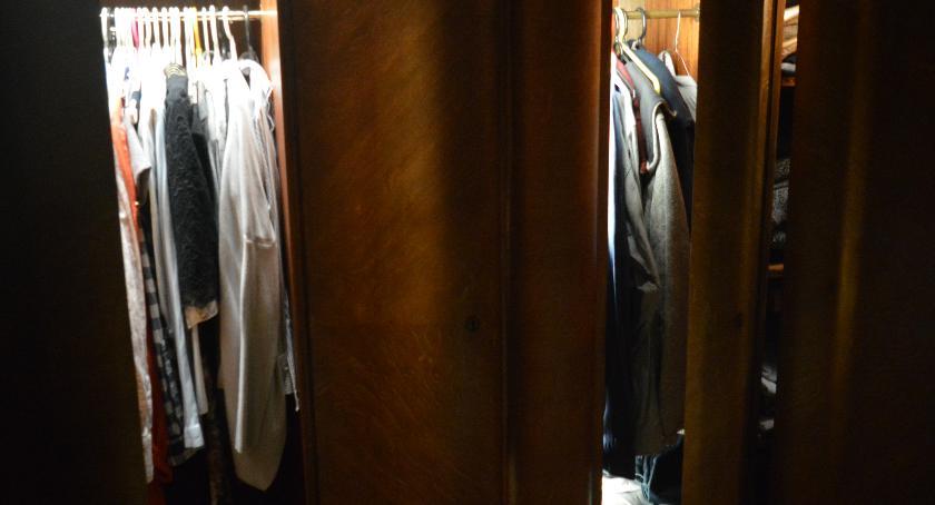 inicjatywy, Otwórz szafę odzież można przynosić marca - zdjęcie, fotografia
