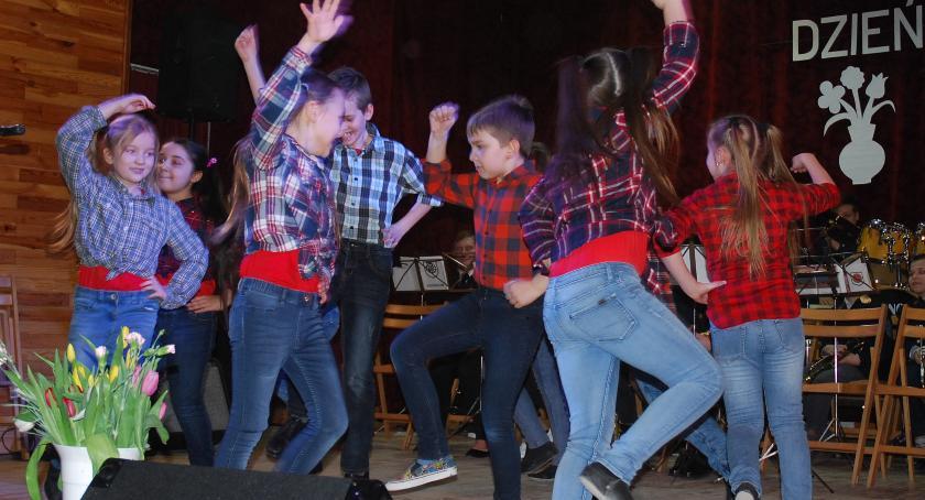 koncerty, Dzień Kobiet sochocińskim - zdjęcie, fotografia