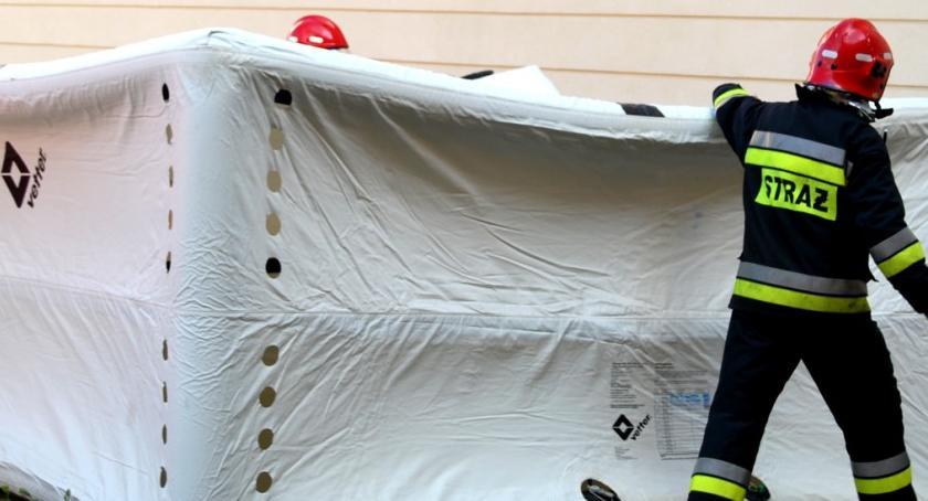 straż w akcji, Rozłożyli skokochron - zdjęcie, fotografia