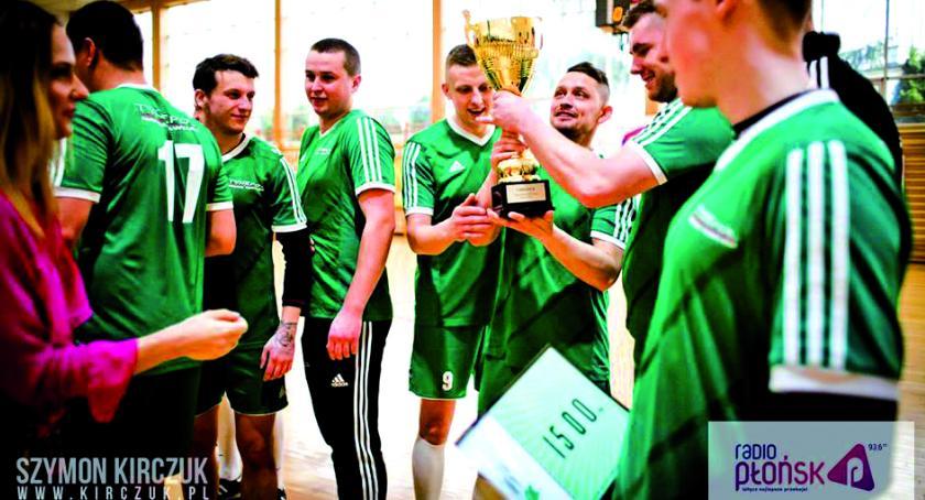 piłka nożna, Radiowy puchar wywalczył Tynkpol - zdjęcie, fotografia
