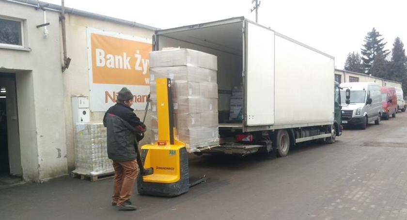 inicjatywy, Ruszyło wydawanie żywności Czerwińsku - zdjęcie, fotografia