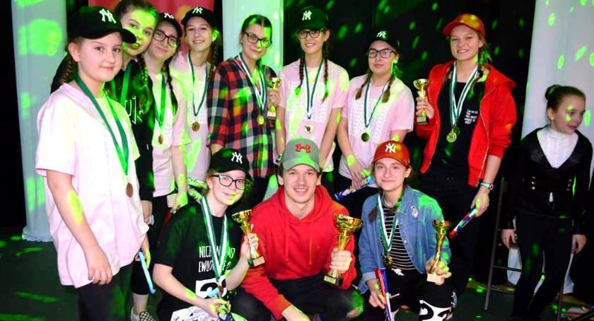 sukcesy, Skorp Dance wytańczonymi pucharami - zdjęcie, fotografia