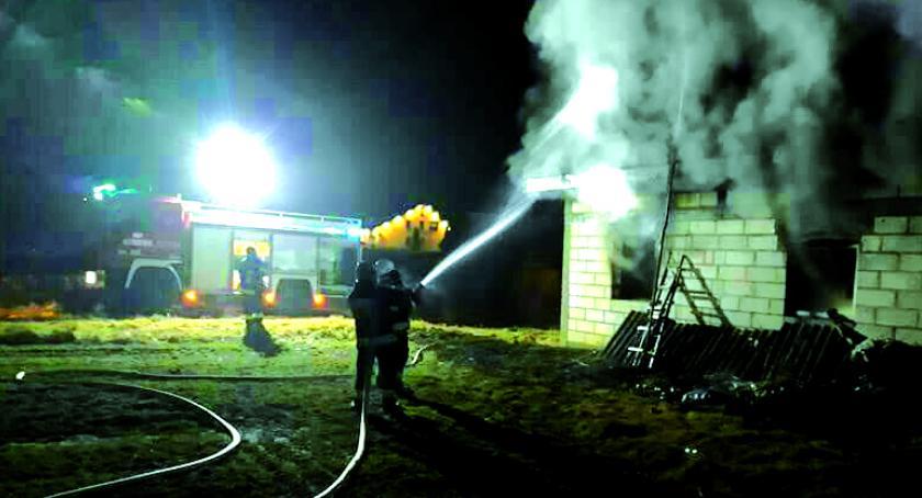 pożary, Płonął budynek pracowników - zdjęcie, fotografia