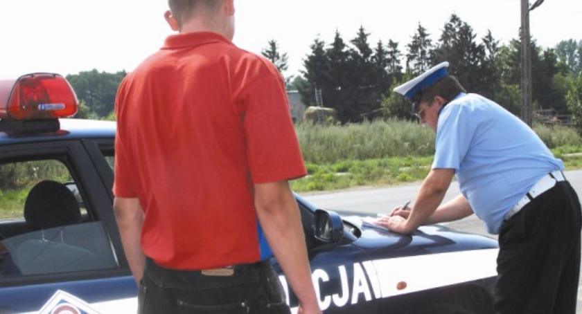 policja na drodze, mandatów jednego - zdjęcie, fotografia