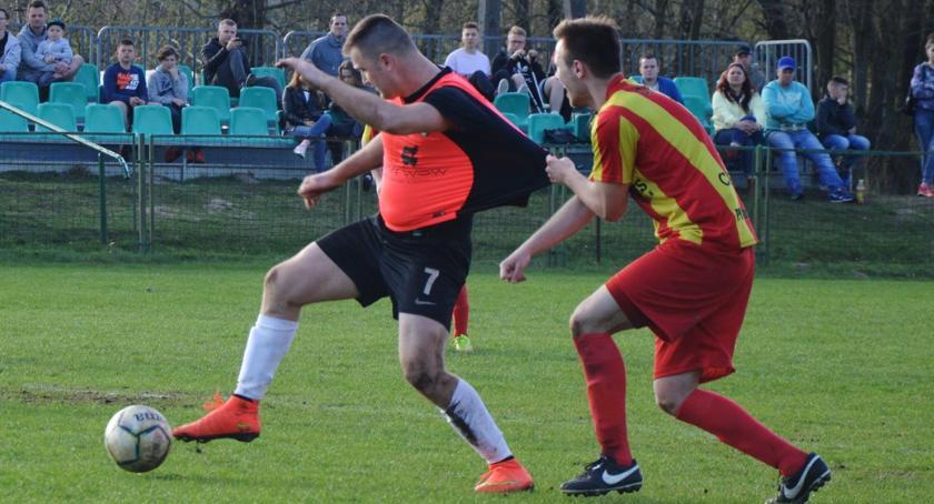 piłka nożna, daremna walka przełamanie - zdjęcie, fotografia