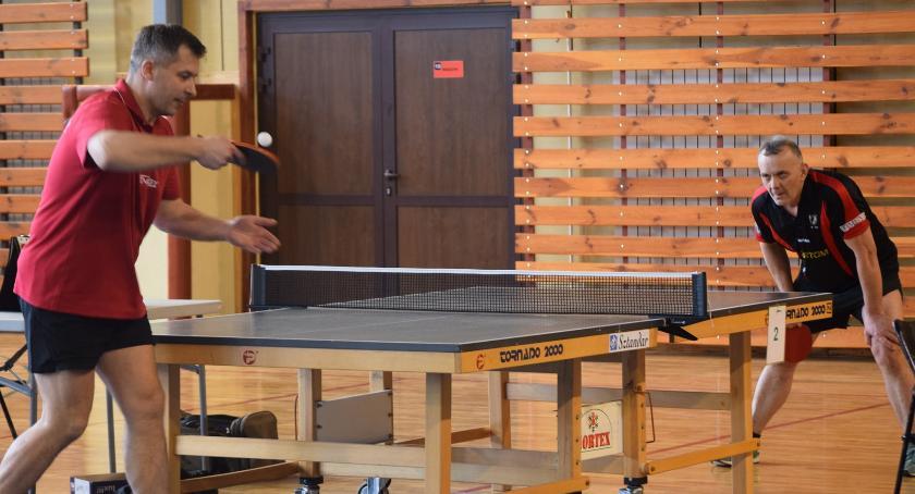 tenis stołowy, Morawski dwukrotnie Politowski - zdjęcie, fotografia