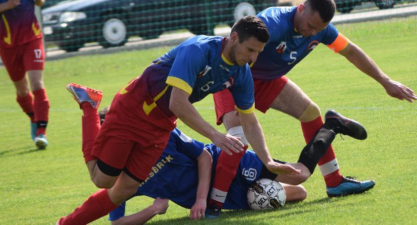 piłka nożna, Bogaty wybór piłkarski weekend - zdjęcie, fotografia
