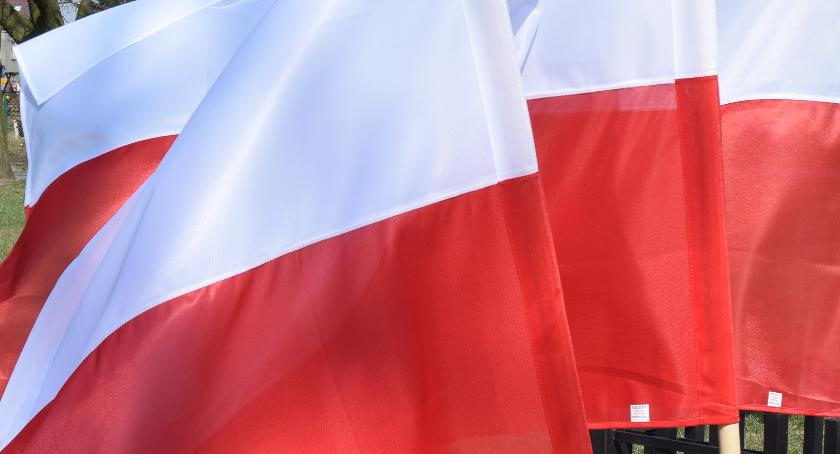 zaproszenia, Uczczą niepodległość - zdjęcie, fotografia