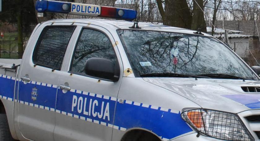 kryminalne, Zmarł mężczyzna znaleziony łóżku obrażeniami głowy było pobicie - zdjęcie, fotografia
