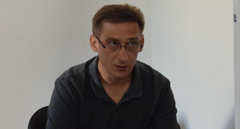 polityka, Robert Ziółkowski oświadcza - zdjęcie, fotografia