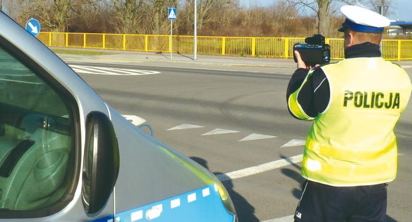 policja na drodze, Dwójka prędkość - zdjęcie, fotografia