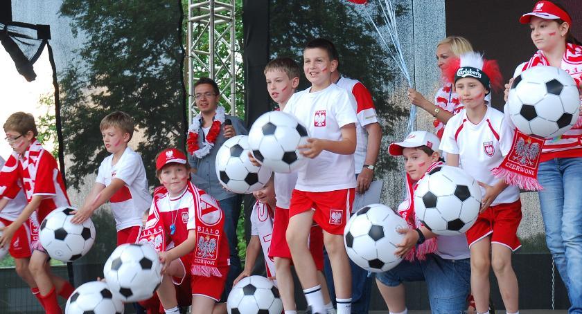 piłka nożna, będzie strefa kibica! - zdjęcie, fotografia