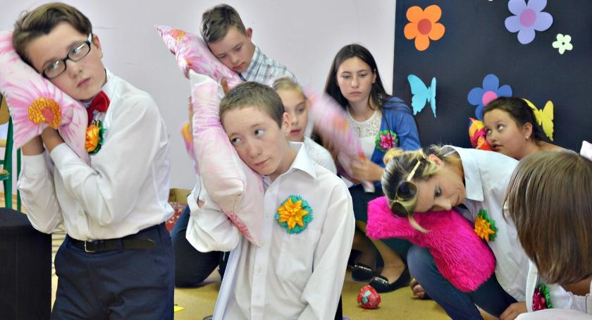 imprezy szkolne, Rodzinnie jonieckim ośrodku - zdjęcie, fotografia