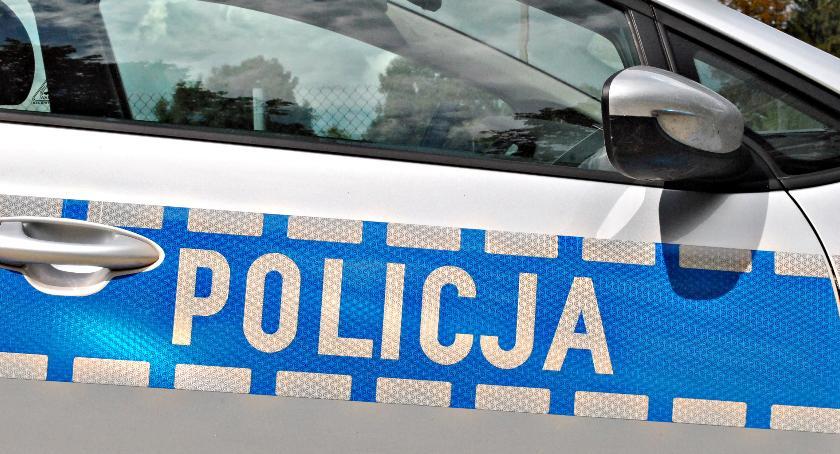 policja na drodze, Miał jechać dziećmi wycieczkę policja pojazd wycofała - zdjęcie, fotografia