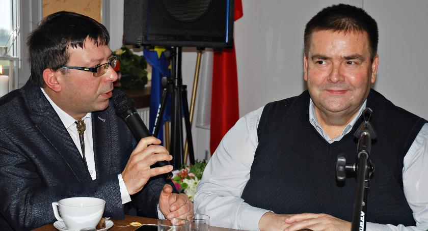 samorząd, Absolutorium Załuskach przeciw - zdjęcie, fotografia