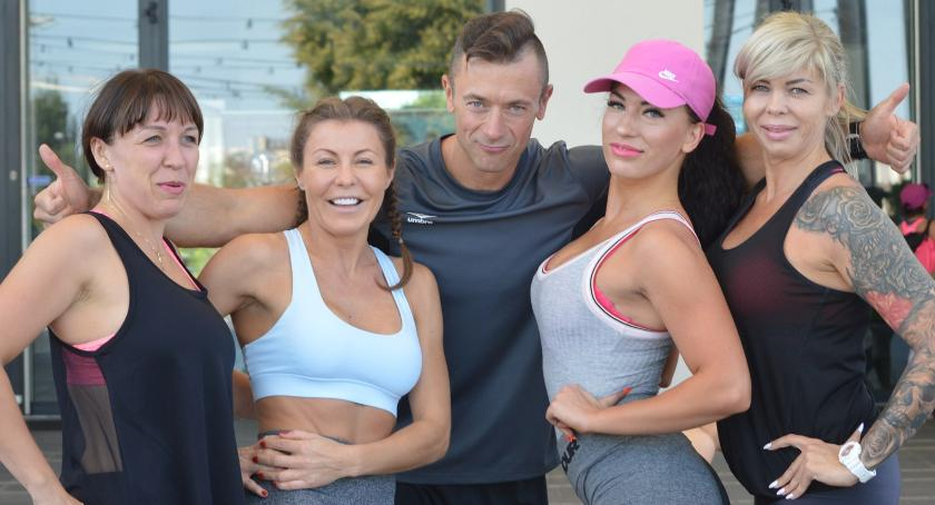 okazjonalne, Płońsk rusza czyli wystartował fitness tarasie - zdjęcie, fotografia