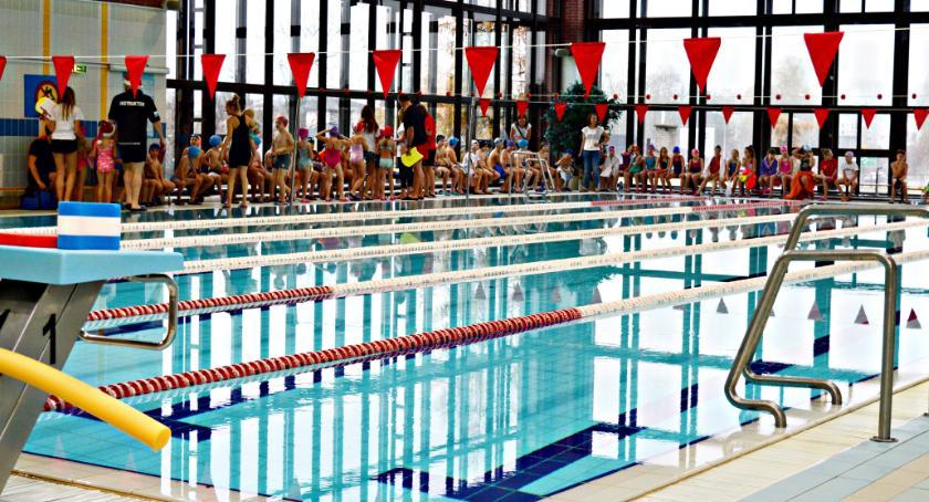 rekreacja, Uwaga basen nieczynny! - zdjęcie, fotografia