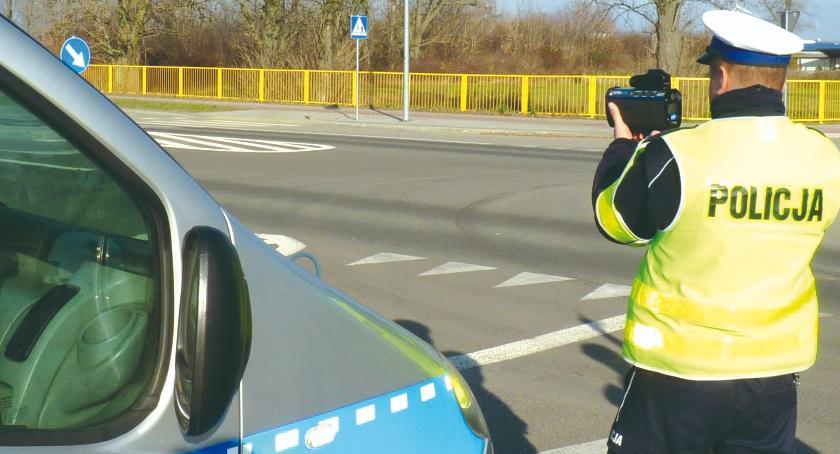 """policja na drodze, środę akcja """"Prędkość"""" - zdjęcie, fotografia"""
