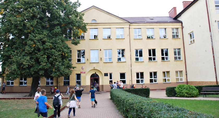 samorząd, Ocieplenia szkoły będzie - zdjęcie, fotografia