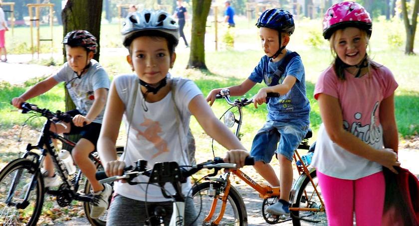 bezpieczeństwo, Bezpieczne warsztaty rowerowe - zdjęcie, fotografia