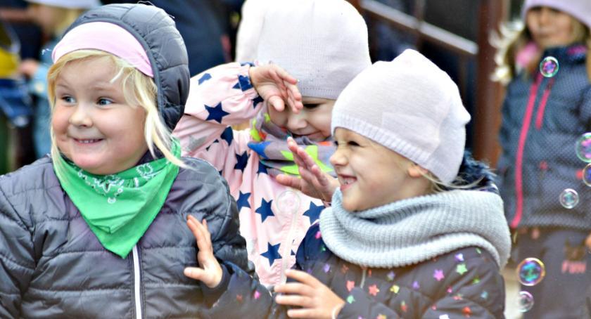 imprezy przedszkolne, Wesoły czwartek Misia Uszatka - zdjęcie, fotografia