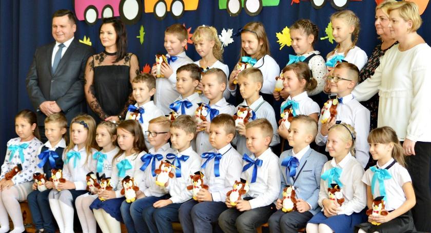 imprezy szkolne, Ślubowanie pierwszoklasistów Siedlinie - zdjęcie, fotografia