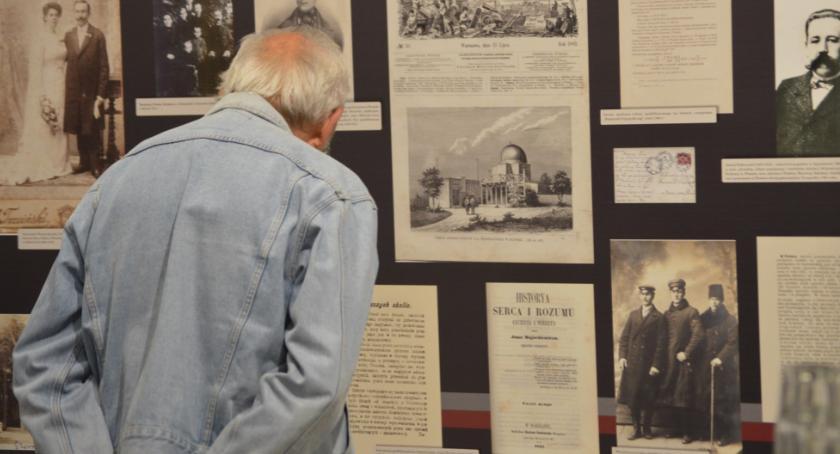 wystawy, Podróż płońską przeszłość - zdjęcie, fotografia