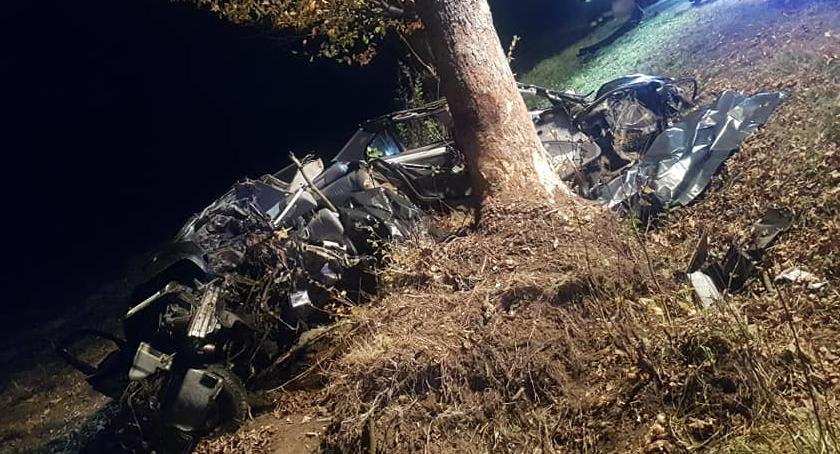 wypadki, Koszmarny wypadek Radzyminie zginęło trzech młodych mężczyzn - zdjęcie, fotografia