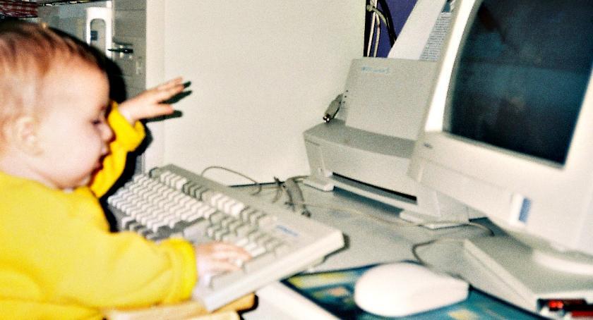 zaproszenia, Przeciwko uzależnieniom dzieci sieci - zdjęcie, fotografia