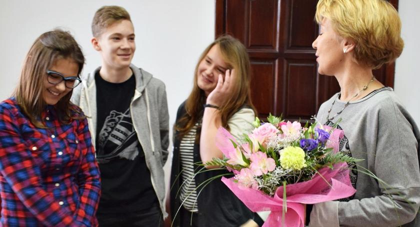 imprezy szkolne, Młodzieży spotkanie Nowak książkami - zdjęcie, fotografia