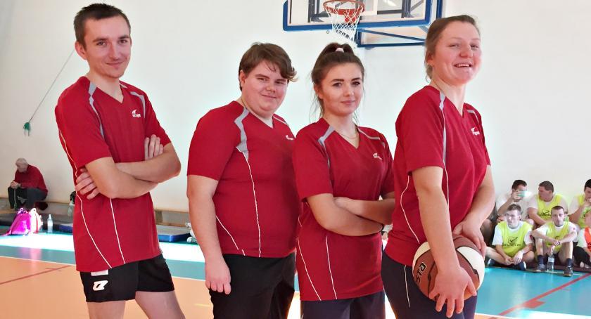 sport niepełnosprawnych, Sukcesy płońskiego Olimpijczyka koszem - zdjęcie, fotografia