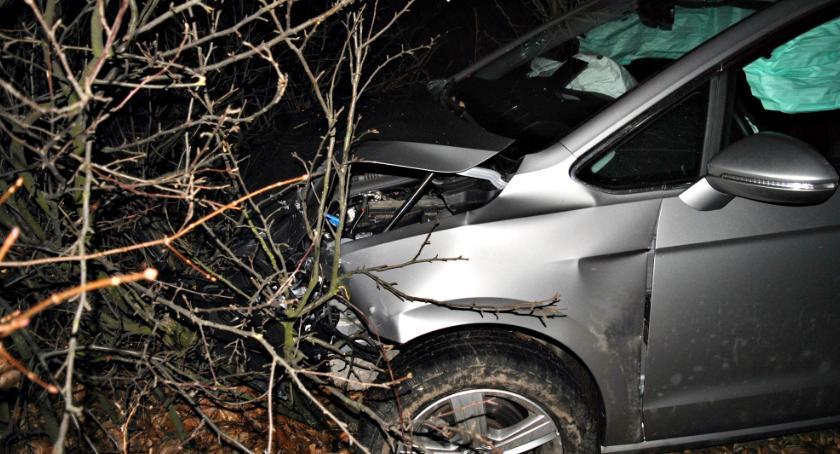 wypadki, Cztery osoby ranne - zdjęcie, fotografia