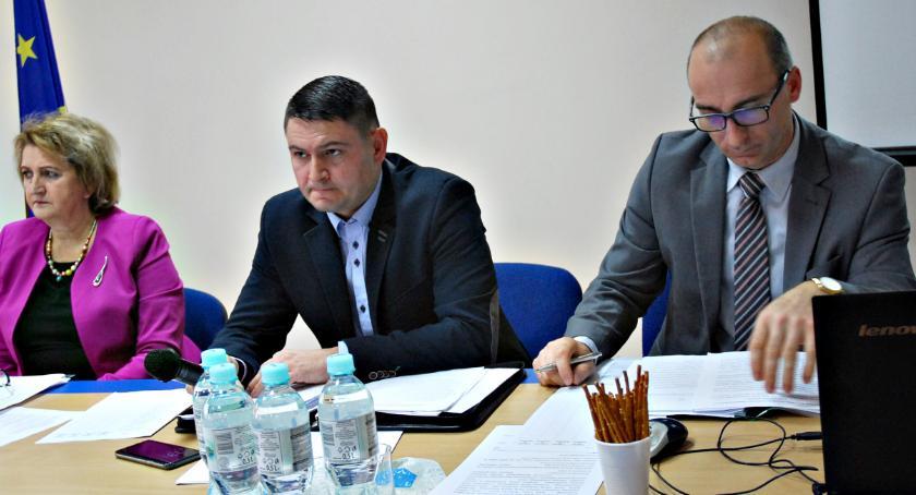 samorząd, Pensja diety podatki gminie Dzierzążnia - zdjęcie, fotografia