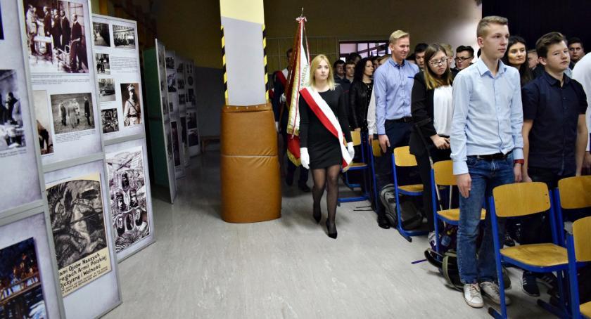wystawy, Niezwykła wystawa zagościła Czerwińsku - zdjęcie, fotografia
