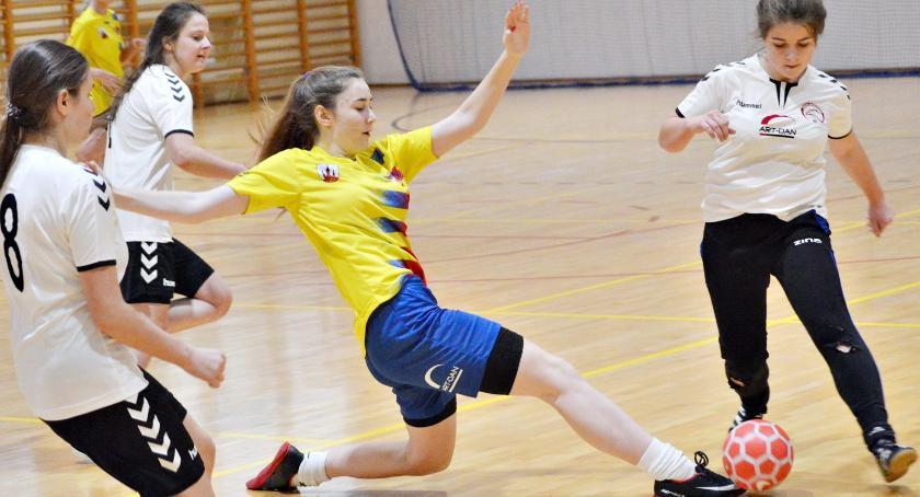 piłka nożna, Sobota kobiecą piłką Baboszewie - zdjęcie, fotografia