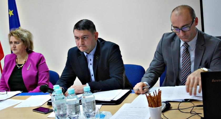 samorząd, Budżet gminy Dzierzążnia uchwalony - zdjęcie, fotografia