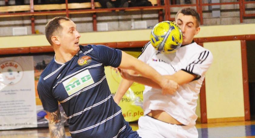 piłka nożna, Płońska rodzina piłkarska charytatywnie Elwiry brawo! - zdjęcie, fotografia