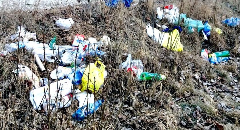 samorząd, Więcej śmieci gminie Czerwińsk - zdjęcie, fotografia