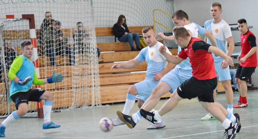 piłka nożna, Piłkarski Trans udanie zainaugurowany - zdjęcie, fotografia