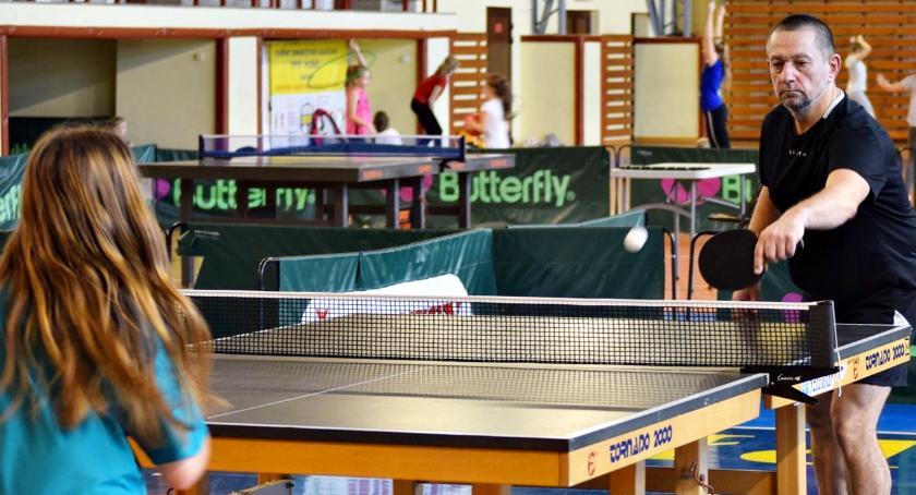 tenis stołowy, nieobecność lidera - zdjęcie, fotografia