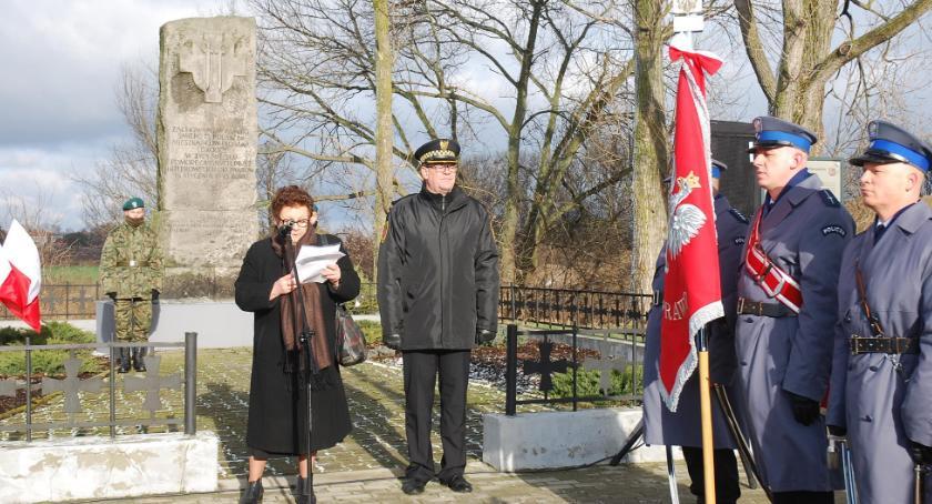 historia, Historia ciągle odkrywana rocznica zbrodni Piaskach - zdjęcie, fotografia