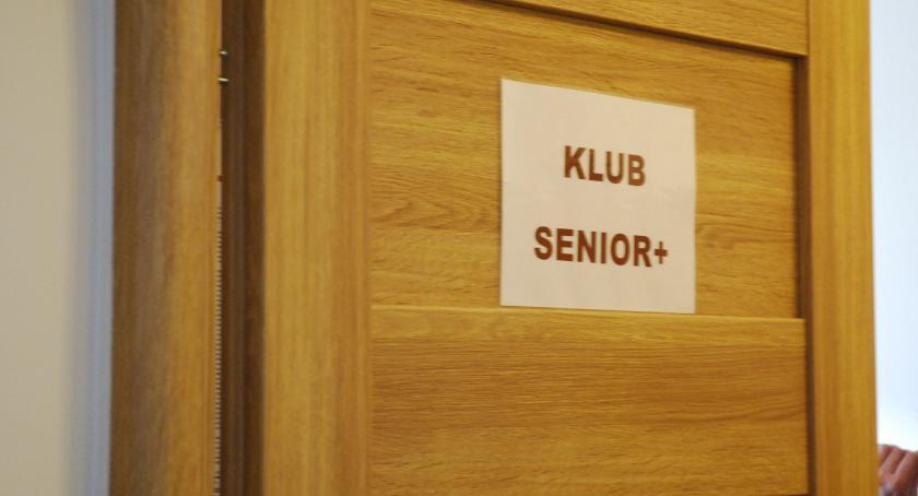 organizacje/stowarzyszenia, Dotacja seniorów - zdjęcie, fotografia