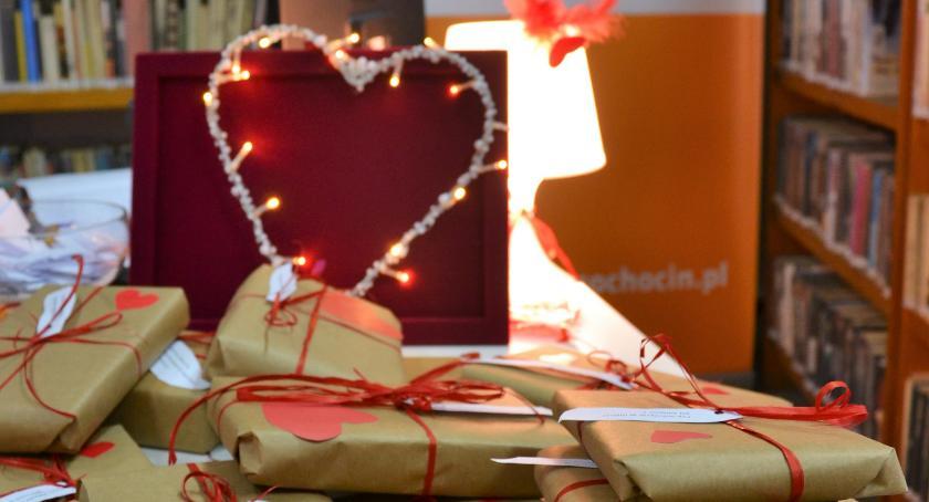 inicjatywy, Walentynkowo bibliotece - zdjęcie, fotografia