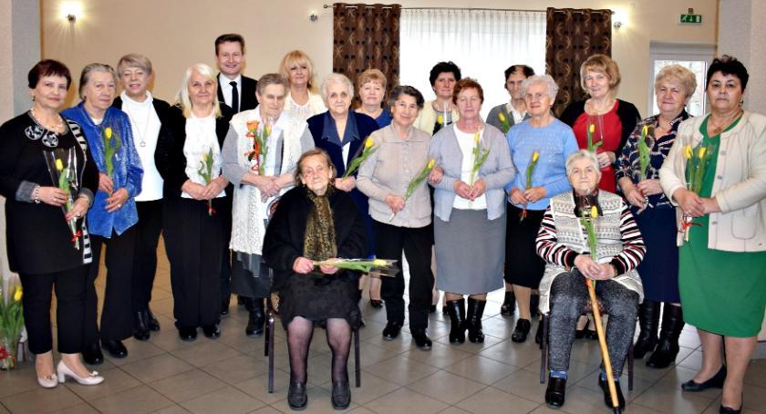organizacje/stowarzyszenia, Tulipany ostatki Nowym Mieście - zdjęcie, fotografia